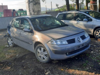 Dezmembrez Renault Megane 2 1.9 dci F9Q berlina din 2004 Dezmembrări auto în Roman, Neamt Dezmembrari