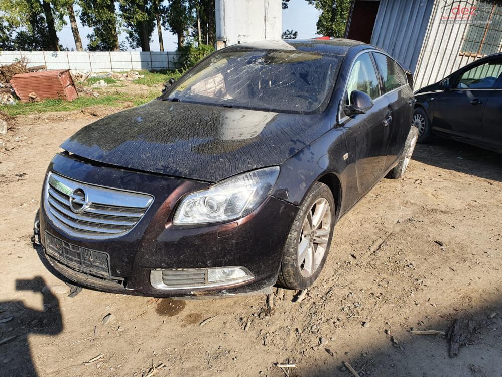 Dezmembrez Opel Insignia A 2.0 cdti A20DTH berlina din 2012