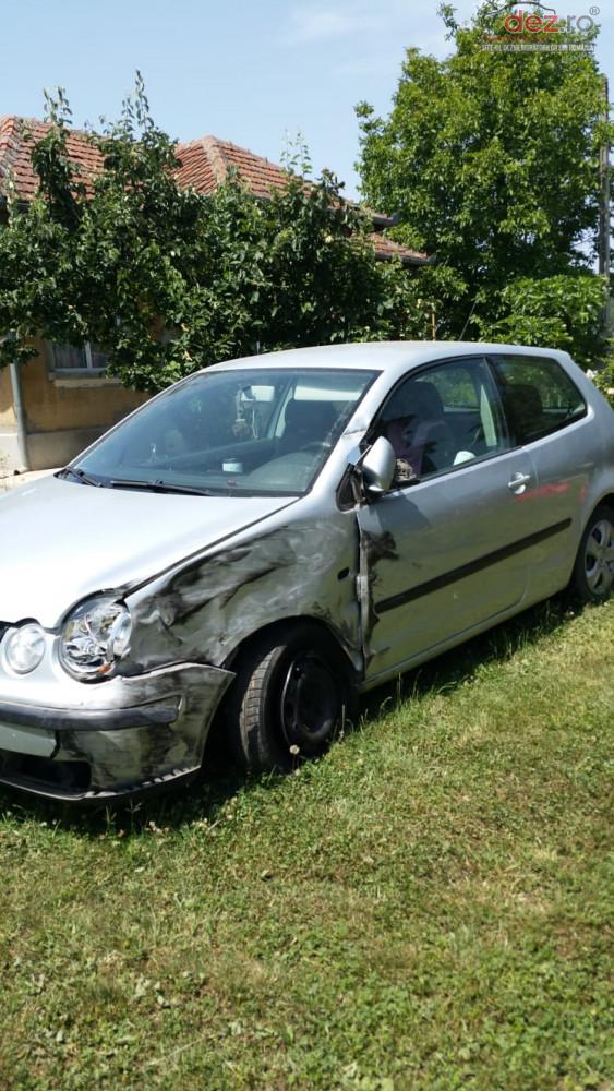 Vand Volkswagen Polo da din 2002, avariat in lateral(e)