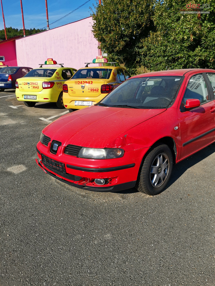 Vand Seat Leon din 2002, avariat in lateral(e)
