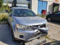 Vand Mitsubishi Outlander din 2007, avariat in fata Mașini avariate în Galati, Galati Dezmembrari