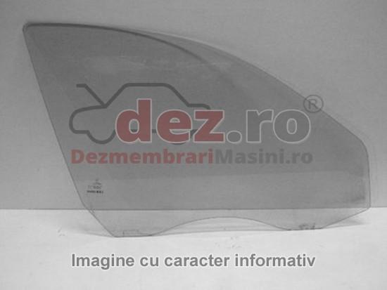Geam usa Dacia Duster 2012