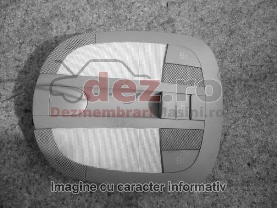 Lampa iluminare habitaclu Renault Clio 2002 Piese auto în Bucuresti, Bucuresti Dezmembrari
